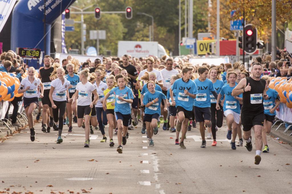 singelloop-2017-campanile-bedrijvenloop-sfeer-hardlopen-breda